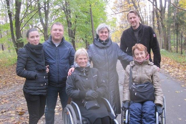 Студенты Академии помогли людям с ограниченными возможностями совершить паломническую поездку