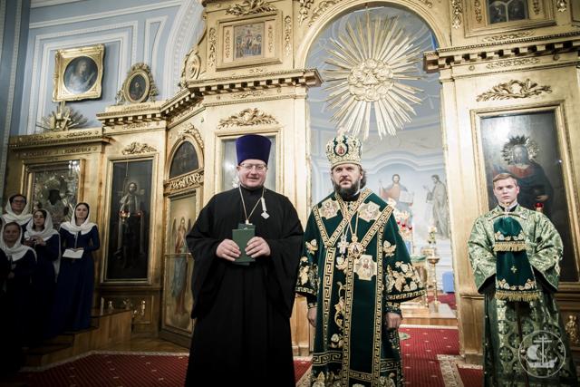 Накануне дня памяти преподобного Амвросия Оптинского в Академии прошло всенощное бдение