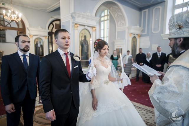 Архиепископ Амвросий совершил Таинство Венчания