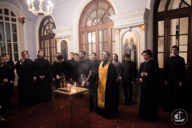 Академия молилась о упокоении П.А. Дудинова