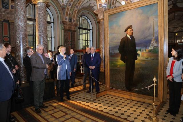 Секретарь Ученого совета принял участие в церемонии презентации уникального живописного полотна