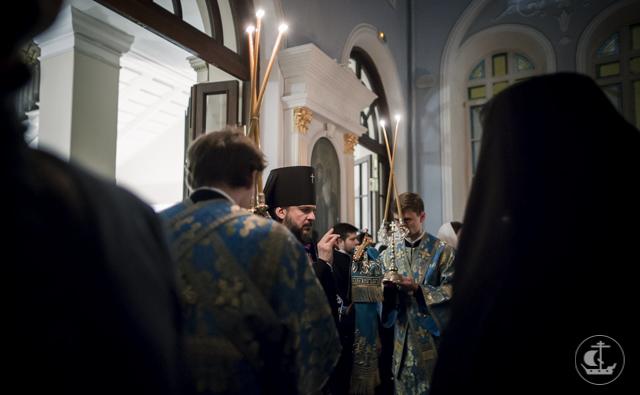 В праздник Введения во Храм Пресвятой Богородицы студент бакалавриата стал иподиаконом