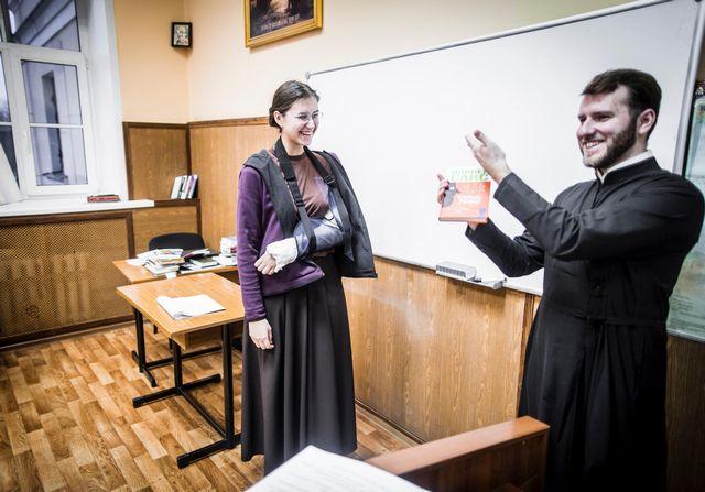В Духовной Академии прошло последнее в семестре занятие по изучению жестового языка