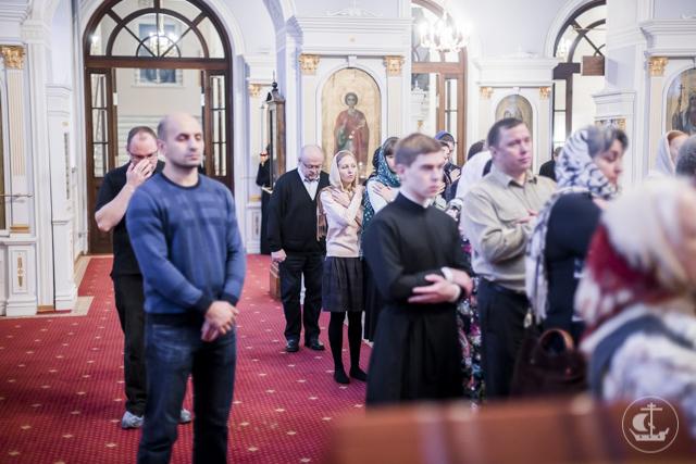 В Академии прошла воскресная Божественная литургия