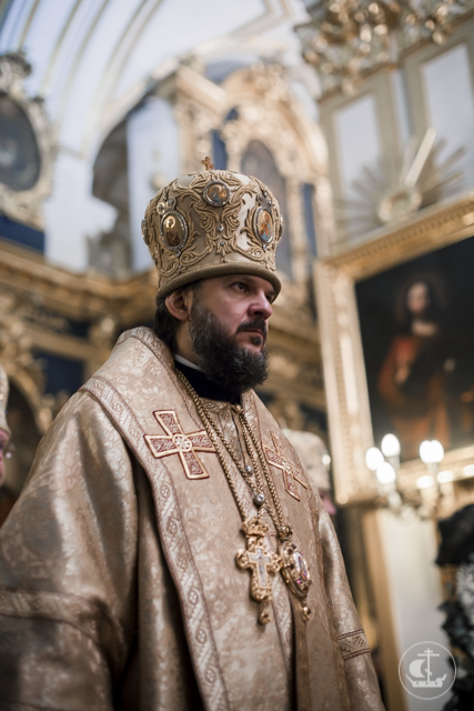 Владыка ректор сослужил Святейшему Патриарху Кириллу в Николо-Богоявленском морском соборе