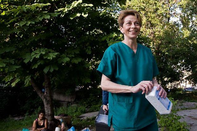 «ЧЕЛОВЕК НЕ ДОЛЖЕН УМИРАТЬ УНИЖЕННЫМ» Беседа с «доктором Лизой» – врачом Елизаветой Глинкой