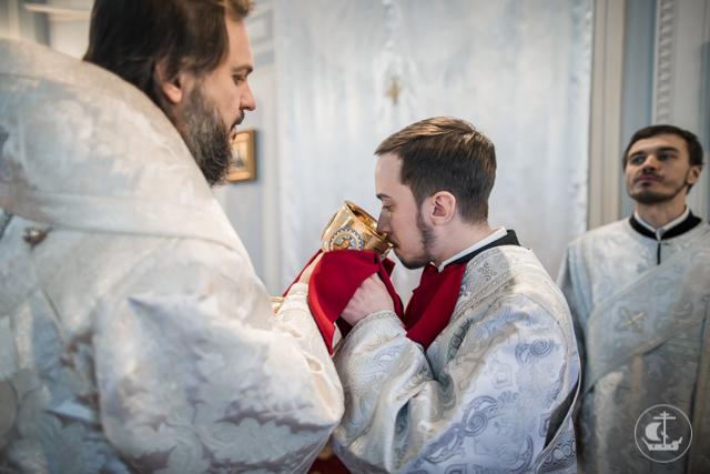 В Рождественский сочельник два студента Академии приняли священный сан