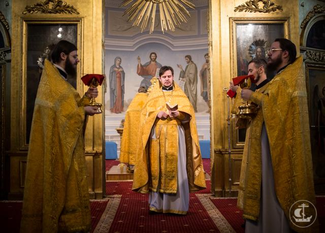 В Академии прошли воскресные богослужения 32-й Недели по Пятидесятнице