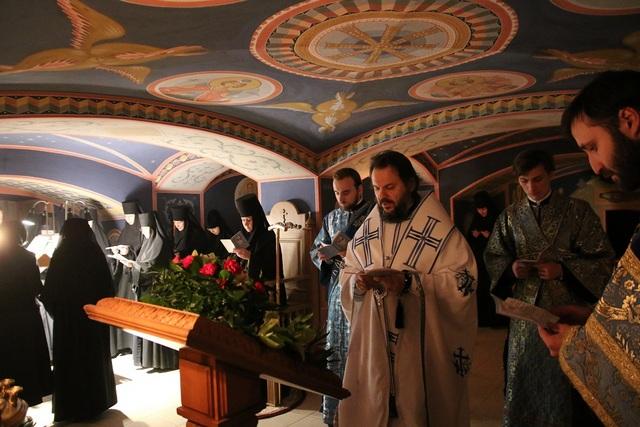Архиепископ Амвросий совершил богослужение в престольный праздник Афонского храма Новодевичьего монастыря