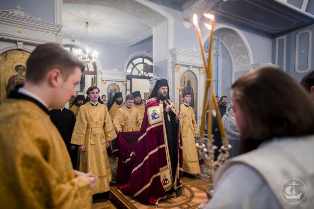 В день трех святителей в Академии совершили Литургию на греческом языке