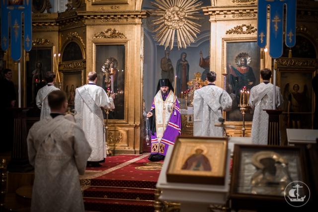Академия молилась за всех усопших в канун Вселенской родительской субботы
