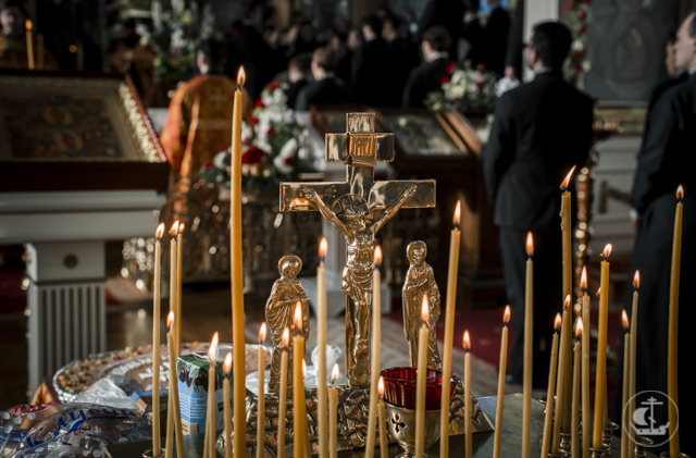 Христос воскрес для всех: живых и мертвых. В Академии совершены уставные богослужения накануне Радоницы