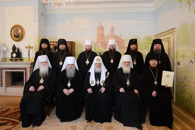 Святейший Патриарх Кирилл рукоположил выпускника Духовной Академии во епископа