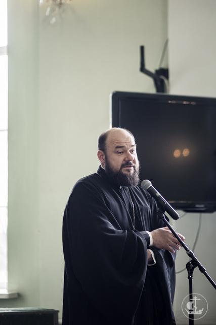 Детско-юношеский хор из Киево-Печерской лавры выступил в Академии