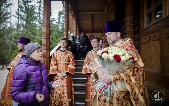 В день Тезоименитства протоиерея Георгия Преображенского Владыка ректор совершил литургию в Вырице