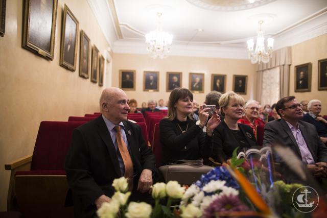 Секретарь Ученого совета поздравил Президента Русского генеалогического общества с юбилеем