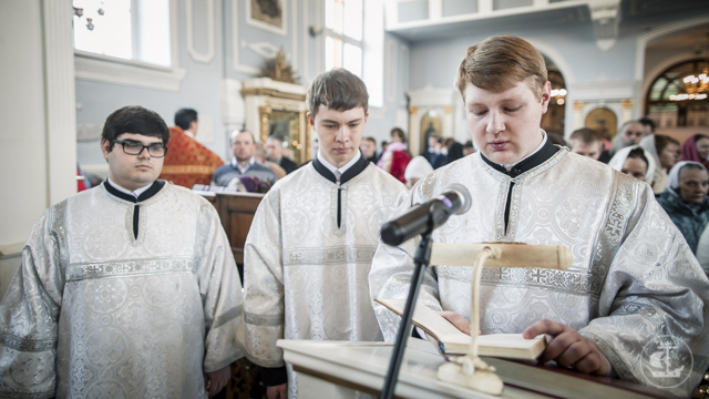 Академия молитвенно почтила престольный день