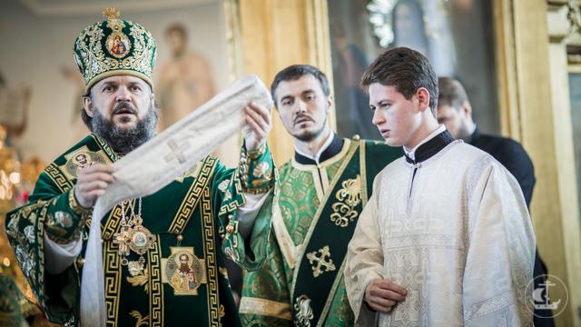 В праздник Святой Троицы двое студентов Духовной Академии приняли священный сан