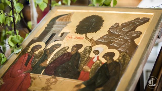 Накануне праздника Пятидесятницы в главном Академическом храме совершенно всенощное бдение