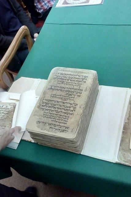 Изучая свидетельства Древнего мира: магистранты Академии посетили рукописный отдел Российской Национальной Библиотеки