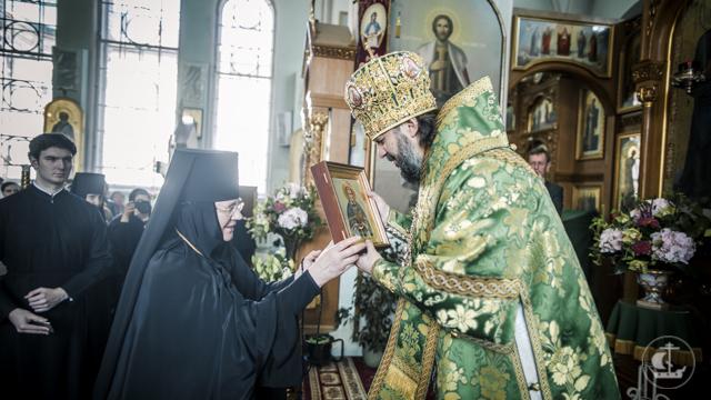 Архиепископ Петергофский Амвросий совершил Божественную литургию в Свято-Иоанновском ставропигиальном монастыре на Карповке