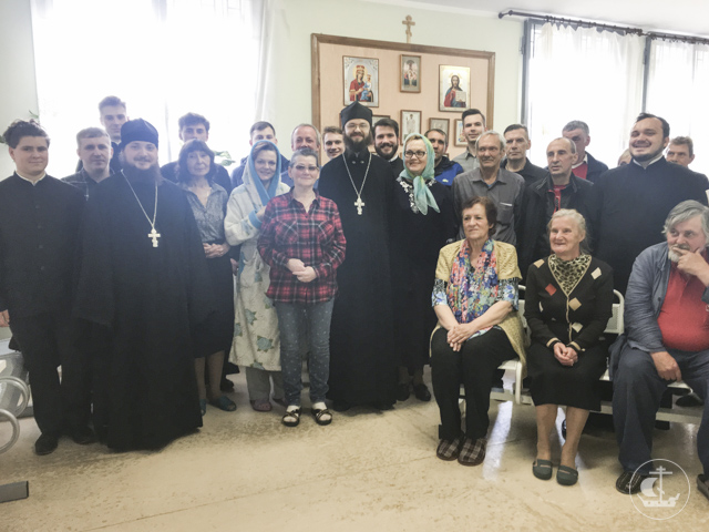 Учащиеся Духовной Академии посетили Дом ночного пребывания для бездомных