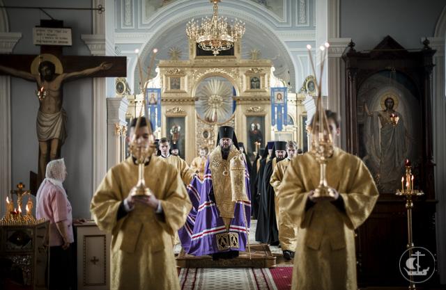 Последние часы Петрова поста. В Академии совершено всенощное бдение накануне дня памяти апостолов Петра и Павла