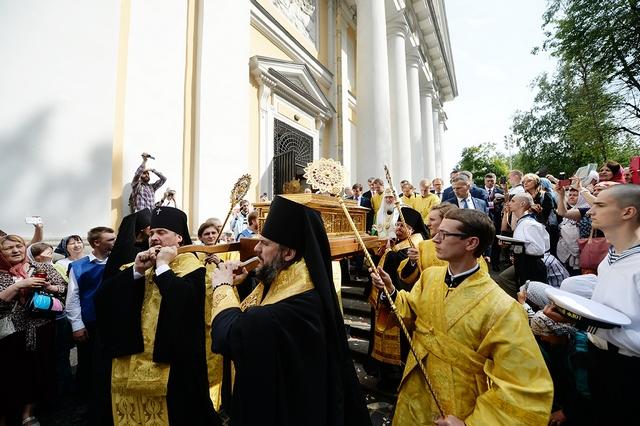 Ректор Духовной Академии принял участие в проводах мощей святителя Николая