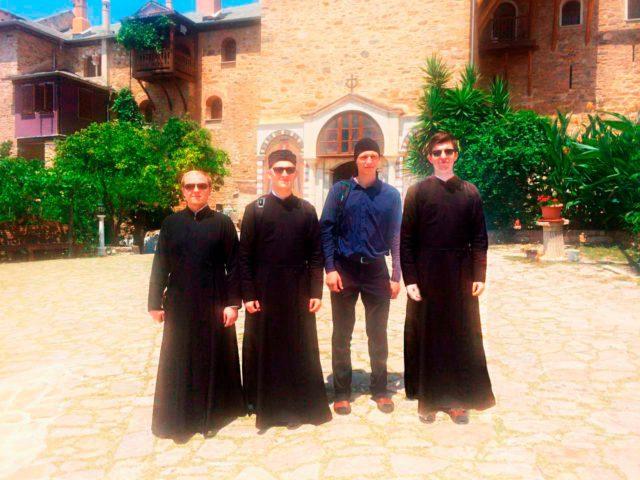 Необычные каникулы: месяц в Свято-Пантелеимоновом монастыре