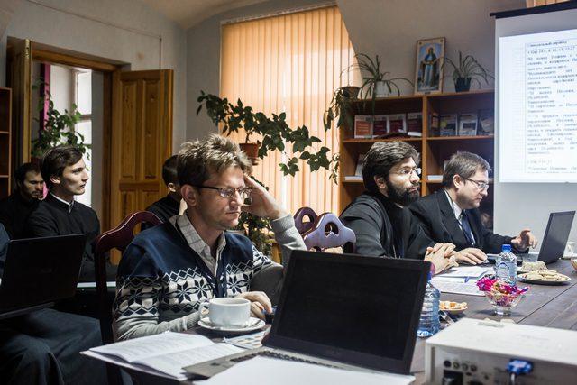 В Книжной гостиной прошел второй день работы секции «Библеистика» IХ международной научно-богословской конференции