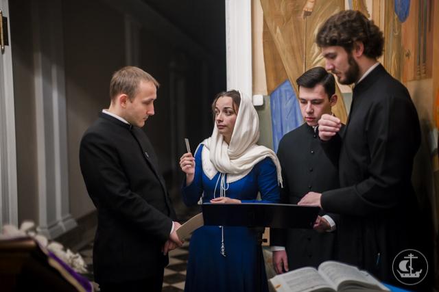 В Духовной Академии совершены воскресные богослужения