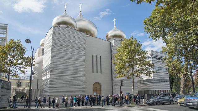 Студент Духовной Академии закончил интенсивный курс французского языка в Париже
