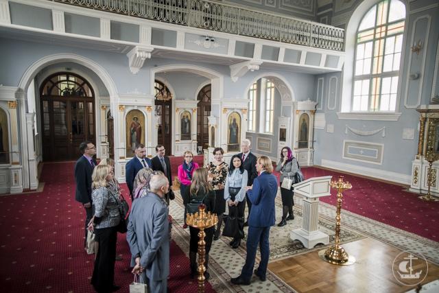 Директора школ Красносельского района посетили Духовную Академию