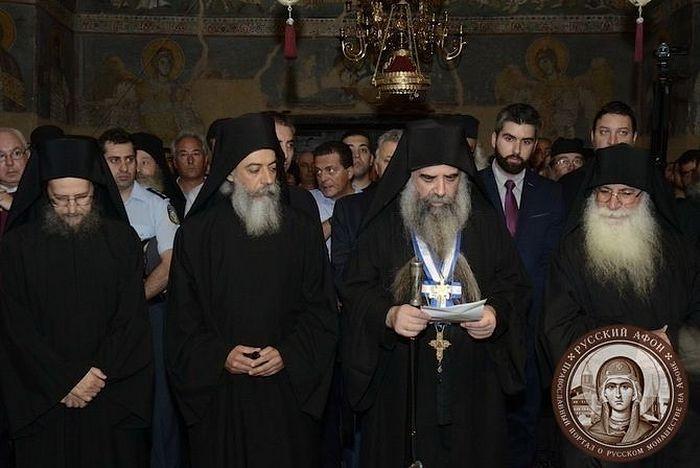 Парламент Греции проигнорировал предостережения Святой Горы Афон и принял закон «О смене пола»