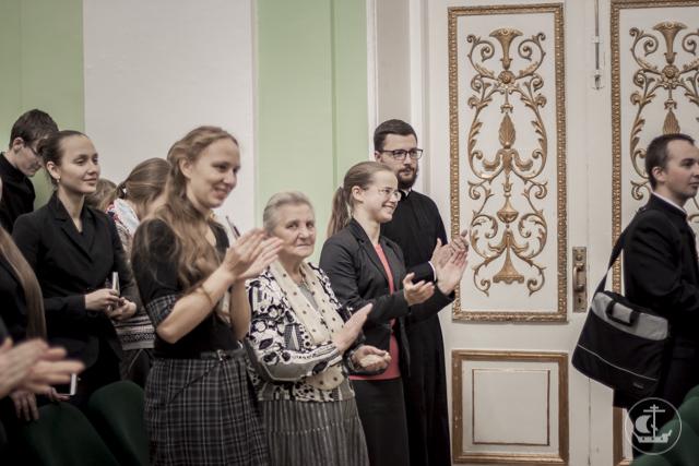 Писатель Виктор Николаев встретился со студентами Академии
