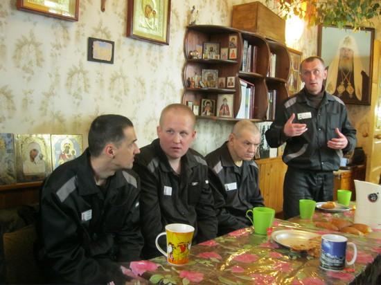 Студенты Духовной Академии посетили заключенных колонии №6