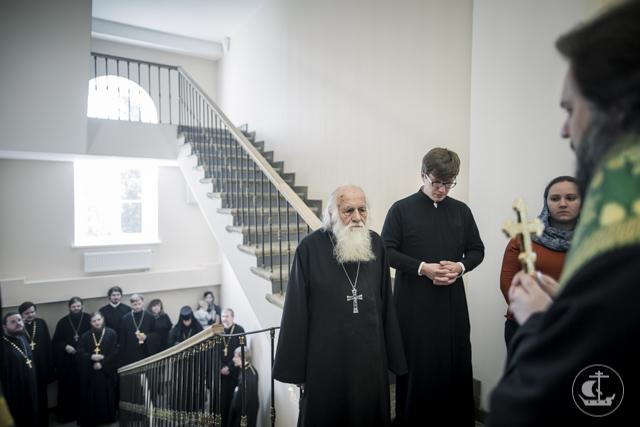 Архиепископ Амвросий освятил воссозданный исторический флигель преподавателей Санкт-Петербургской духовной семинарии