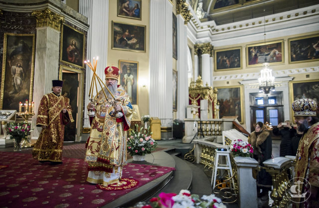 В День тезоименитства наместника Александро-Невской лавры ректор Академии сослужил митрополиту Варсонофию за Божественной литургией