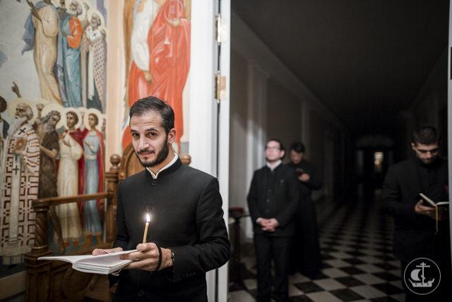 За воскресной Литургией владыка ректор возвел во иподиакона студента магистратуры Академии