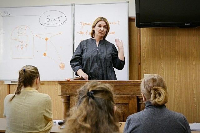 В Духовной Академии прошла лекция о работе с глухими и слабослышащими людьми