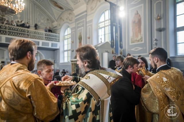 Память апостола Иакова отметили в Академии Литургией по древнему чину
