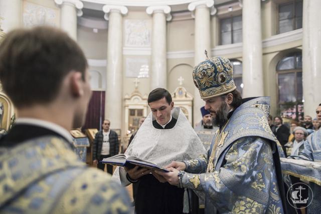 В канун престольного дня в Скорбященском храме на Шпалерной прошло архиерейское богослужение