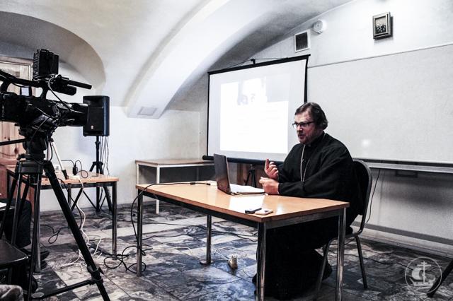 В лектории Казанского собора прошла лекция о современной космологии