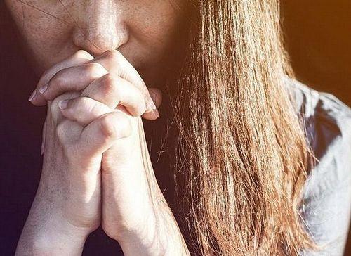 Священник Димитрий Выдумкин. «Не Плачь»