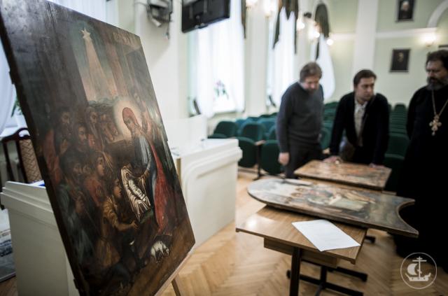 УФСБ России по Санкт-Петербургу и ЛО передало Академии конфискованные в ходе следственных дел иконы