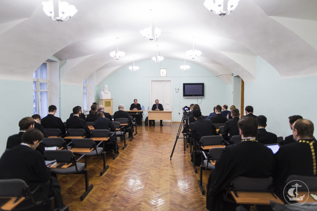 «Теизм и атеизм: современная дискуссия» – на кафедре богословия Духовной Академии прошла научная конференция