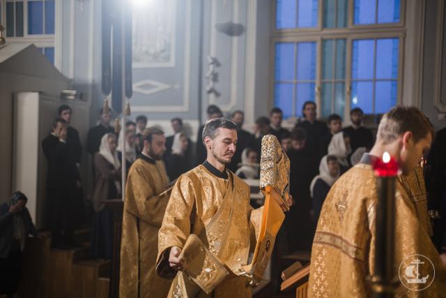 В храмах Санкт-Петербургской Духовной Академии прошли воскресные богослужения