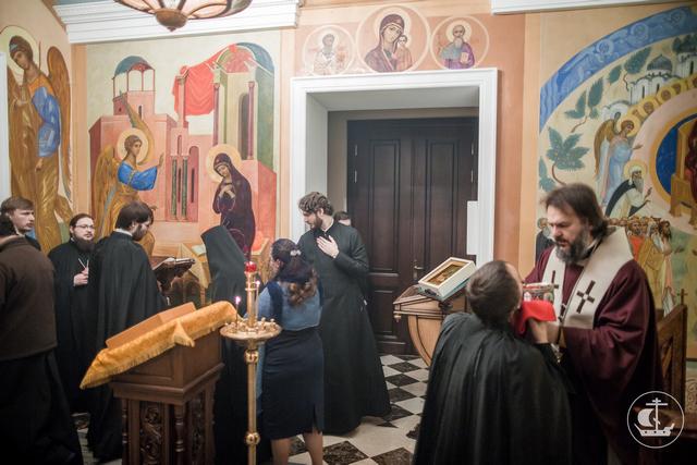 Архиепископ Амвросий освятил 10 икон Пресвятой Богородицы для академического Успенского храма