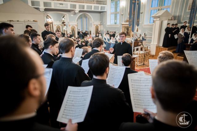 В день памяти святителя Николая над студентом магистратуры совершена диаконская хиротония