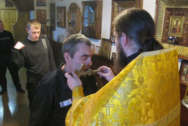 Студенты Академии и заключенные Исправительной колонии №6 встретили праздник святителя Николая Чудотворца